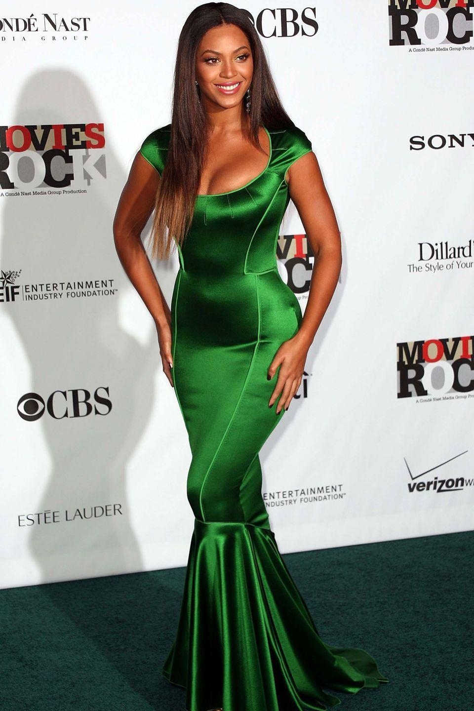 <p>Beyoncé definitely had some Little Mermaid vibes going in this emerald green mermaid gown that she wore back in 2007.</p>