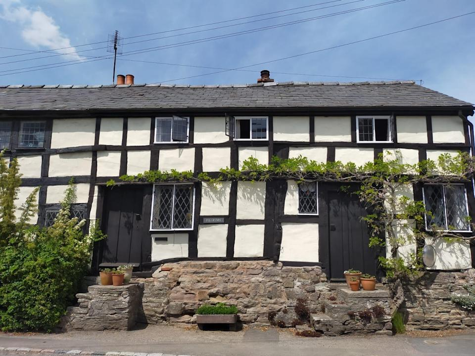 Medieval monochrome houses dot the countryside (Eat Sleep Live Herefordshire)
