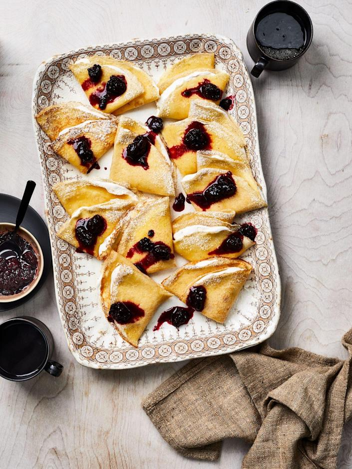 Cornmeal Crêpes with Blackberries and Buttermilk Cream