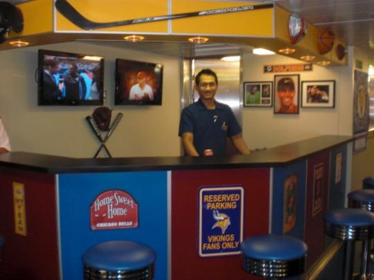 Confessions Of Cruise Ship Insiders Secret Parties Crew Bars - Cruise ship staff quarters