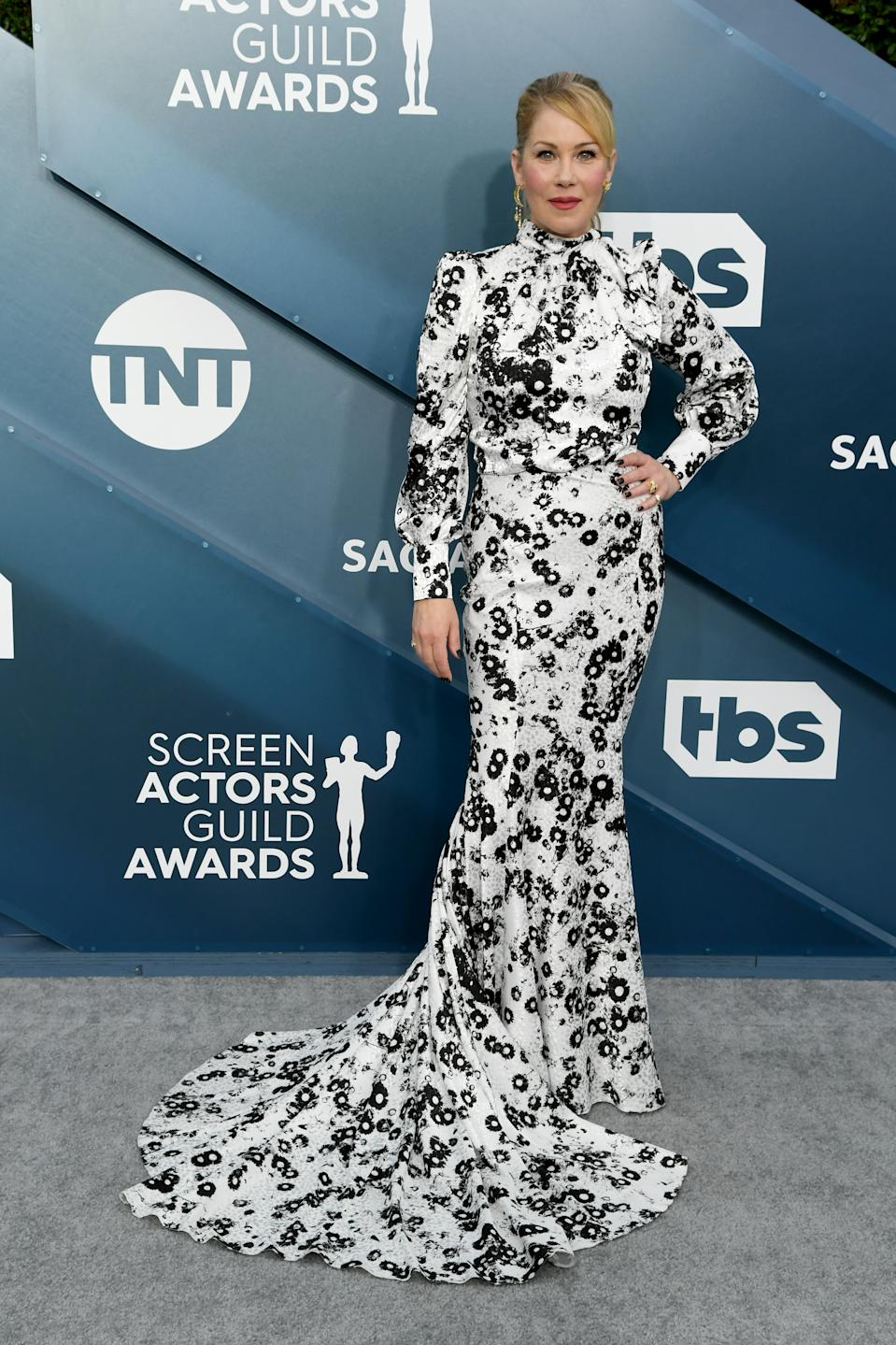 """The """"Dead To Me"""" star and SAG Awards nominee wowed in a monochrome look by Monique Lhuillier."""