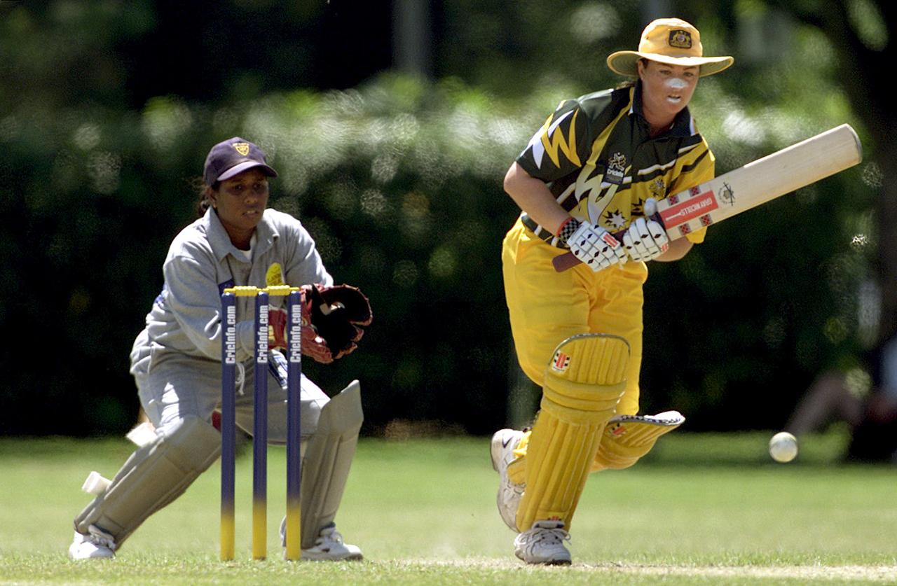 01 Dec 2000:  Karen Rolton of Australia in action whilst scoring 154 not out during the Australia v Sri Lanka match in the 2000 CricInfo Womens Cricket World Cup match played at Hagley Oval, Christchurch, New Zealand. Australia beat Sri Lanka by 200 runs. DIGITAL IMAGE. Mandatory Credit: Scott Barbour/ALLSPORT