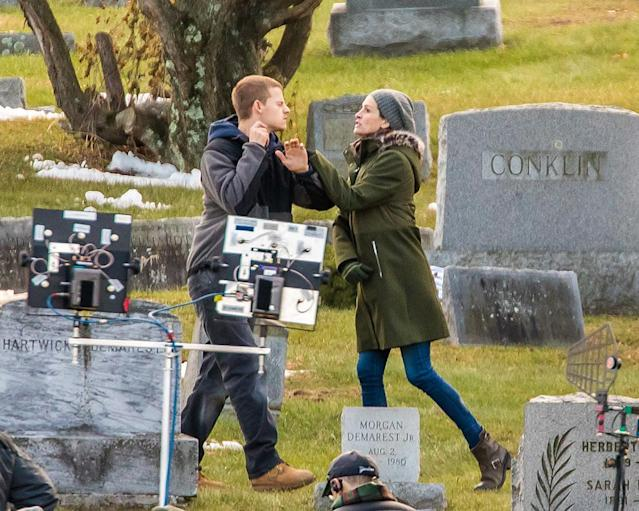 <p>The actors were caught filming an intense scene for their new flick, <em>Ben Is Back, </em>in a graveyard in New York City on Tuesday. (Photo: Alessio Botticelli/GC Images) </p>