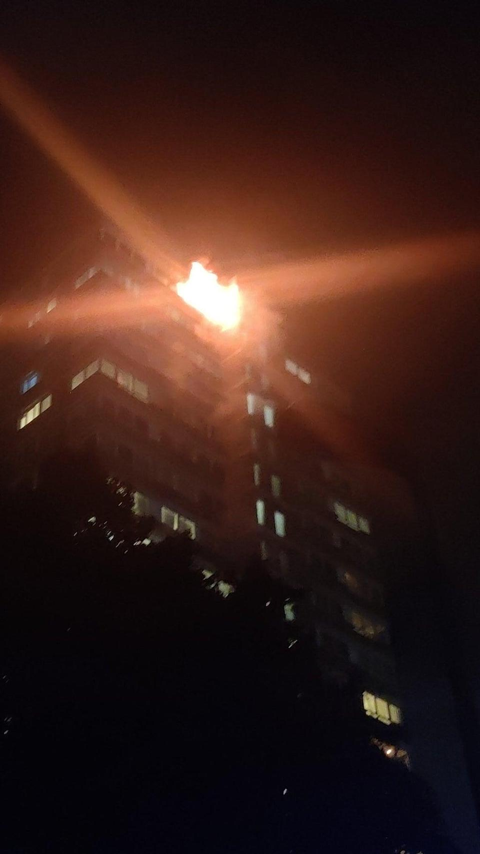 The fire at the tower block in Battersea (@AkashDe69028264/Twitter/PA) (PA Wire)