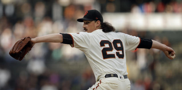 San Francisco Giants pitcher Jeff Samardzija works against the Atlanta Braves during the first inning of a baseball game Wednesday, May 22, 2019, in San Francisco. (AP Photo/Ben Margot)