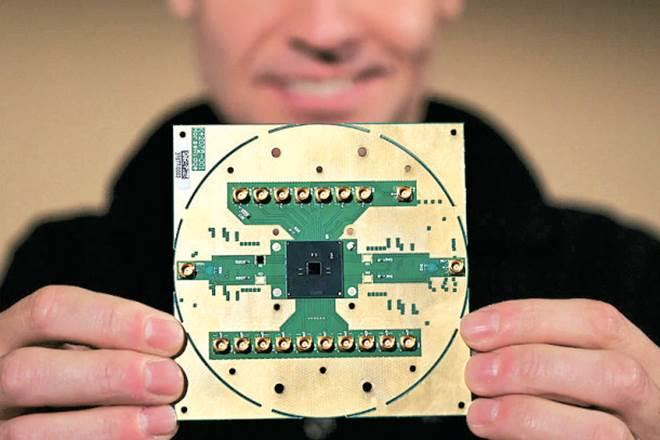 Quantum computing, top gear,Intel Lab,  cryogenic control chip