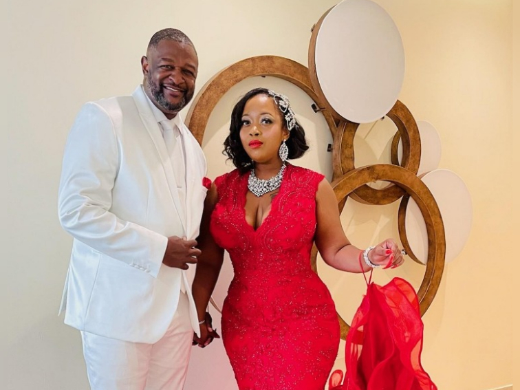 US couple Doug and Dedra Simmons decided to send an invoice to friends who failed to turn up at their wedding despite confirming their attendance earlier. — Picture via Facebook/ Dedra Simmons