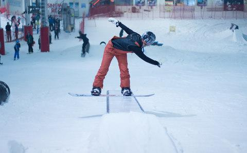 The Snow Centre in Hemel Hempstead allows the option to train all year round