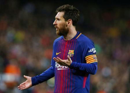 Soccer Football - La Liga Santander - FC Barcelona v Real Madrid - Camp Nou, Barcelona, Spain - May 6, 2018 Barcelona's Lionel Messi reacts REUTERS/Albert Gea