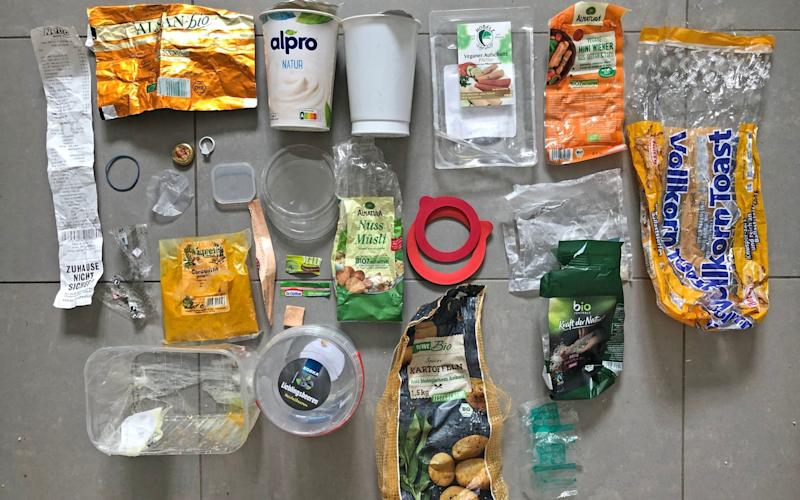 Examples of household plastic waste - Everyday Plastic/PA