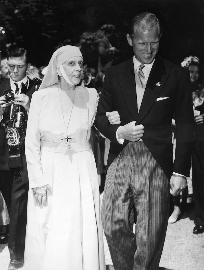 UNITED KINGDOM - JANUARY 01: Prince Philip Of England And His Mother Princesse Alice Of Battenberg (Photo by Keystone-France/Gamma-Keystone via Getty Images)
