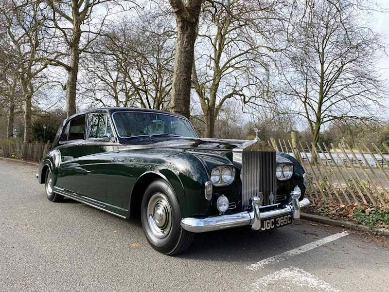 Relax With This 1965 Rolls-Royce Phantom V