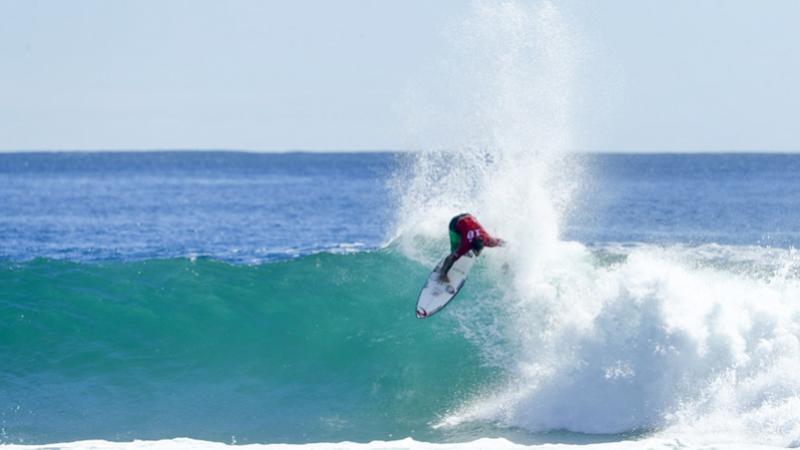 Gabriel Medina segue vivo em Gold Coast