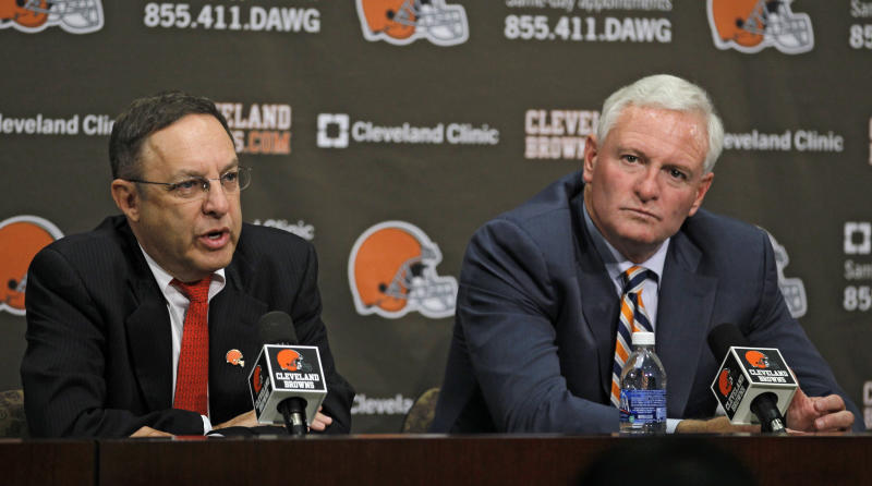 Cleveland Browns new CEO Joe Banner, left, and new owner Jimmy Haslam III participate in a news conference Wednesday, Oct. 17, 2012, in Berea, Ohio. Banner spent 19 years with the Eagles, spending 12 seasons as president before leaving the club last season. (AP Photo/Tony Dejak)