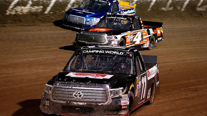 Chase Briscoe holds off Grant Enfinger in Truck Series race at Eldora
