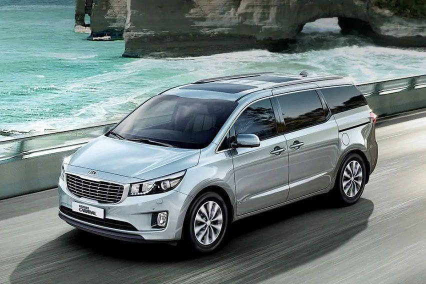 kia-grand-carnival-front-angle-low-view-820373