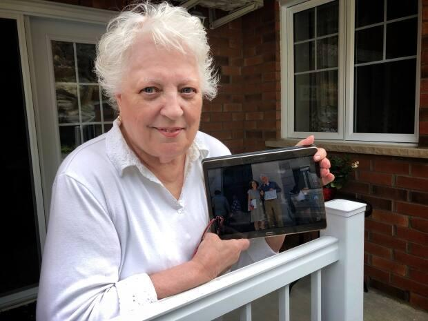 Sherbrooke resident Jacqueline White can't wait to see her son and daughter-in-law who live in Boston, Mass., when the border between Canada and the United States reopens. (Martin Bilodeau/Radio-Canada - image credit)