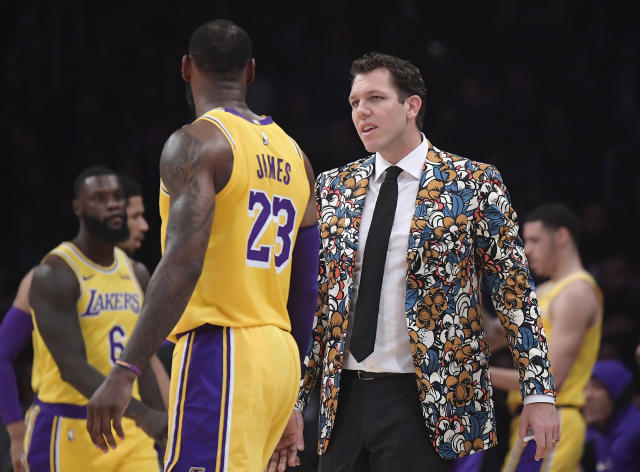 "Luke Walton believes players want to play with <a class=""link rapid-noclick-resp"" href=""/nba/players/3704/"" data-ylk=""slk:LeBron James"">LeBron James</a>. (AP Photo)"