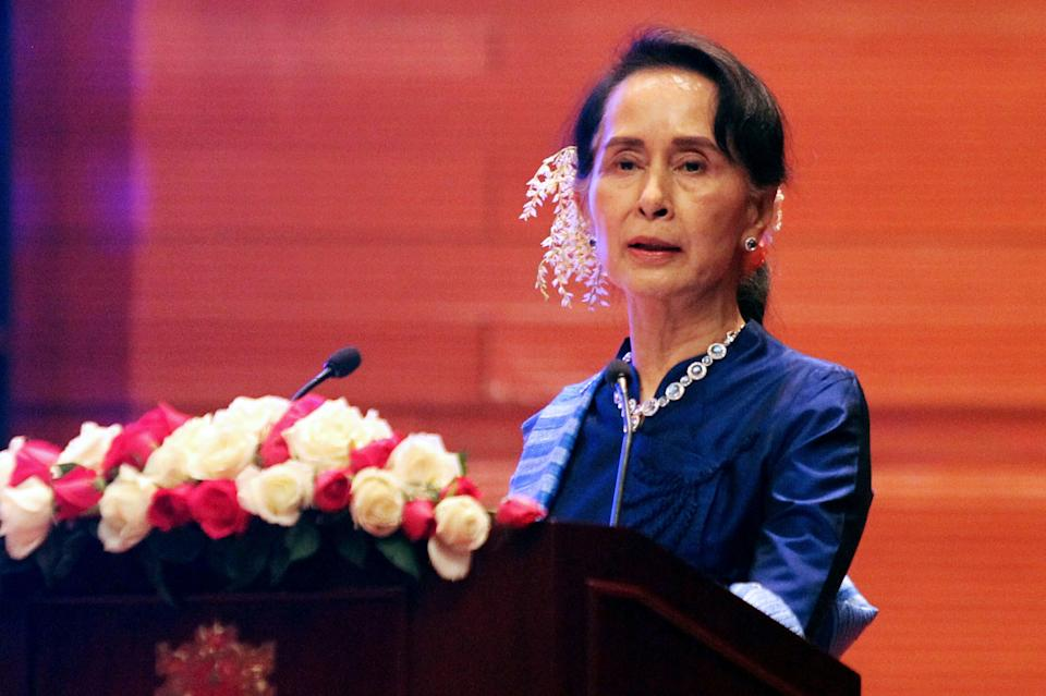 Myanmar civil leader Aung San Suu Kyi has yet to stand up for the rights of the Rohingya Muslims. (Photo: THET AUNG via Getty Images)
