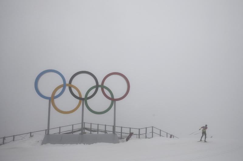 Thick fog causes delays at Sochi Olympics