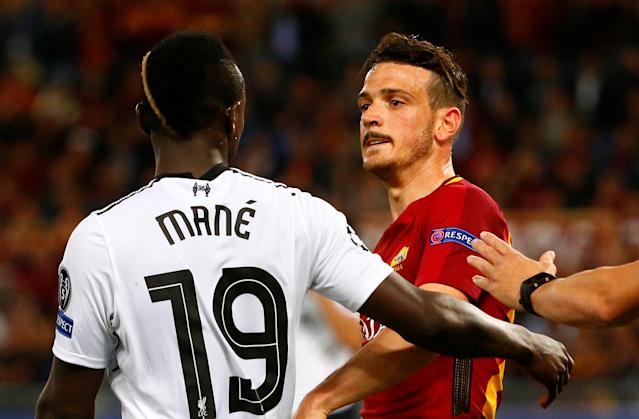 <p>Soccer Football – Champions League Semi Final Second Leg – AS Roma v Liverpool – Stadio Olimpico, Rome, Italy – May 2, 2018 Liverpool's Sadio Mane clashes with Roma's Alessandro Florenzi REUTERS/Tony Gentile </p>