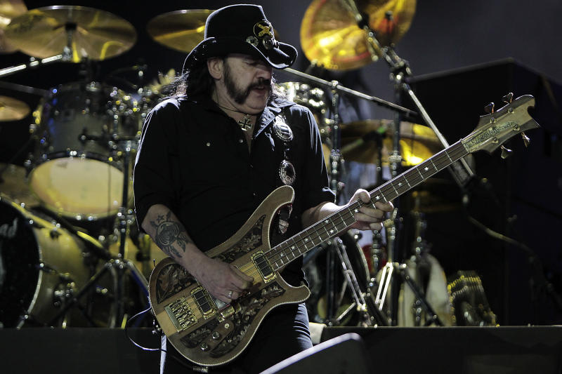 RIO DE JANEIRO, BRAZIL - SEPTEMBER 25: Singer of Motorhead performs on stage during a concert in the Rock in Rio Festival on September 25, 2011 in Rio de Janeiro, Brazil. Rock in Rio Festival comes back to Brazil after ten years. (Photo by Buda Mendes/LatinContent via Getty Images)
