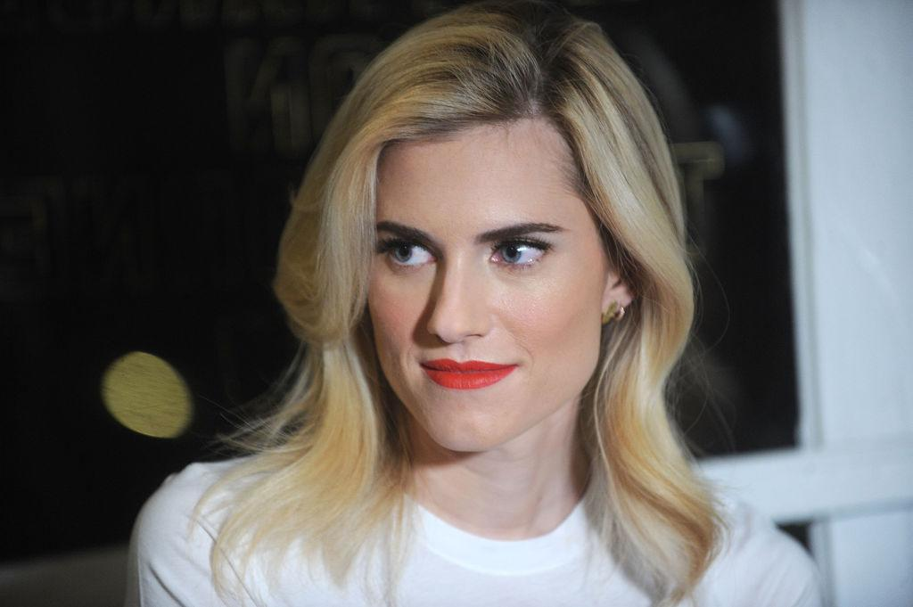 <p>Williams attended the Be Bold for Change, One Step event hosted by Keds and Refinery29 on International Women's Day in New York City. She kept her hair and makeup simple, opting for a bleach-blond shoulder-length hairstyle with dark roots, matte skin, a hint of blush, and red lips. (Photo: Brad Barket/Getty Images) </p>