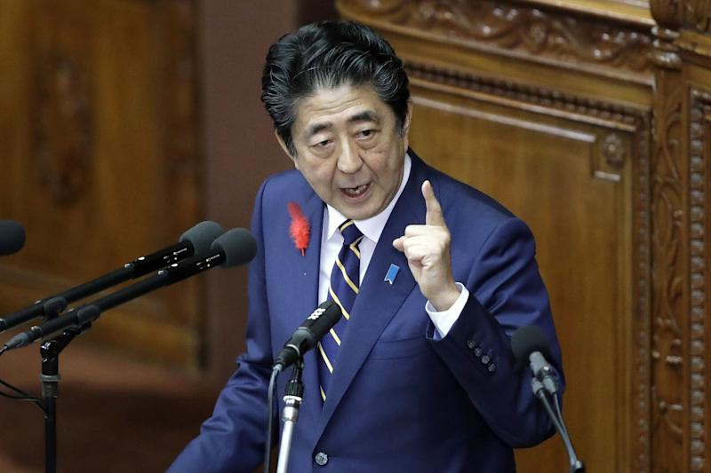 Japan's Abe Resumes Constitution Quest to Burnish Legacy
