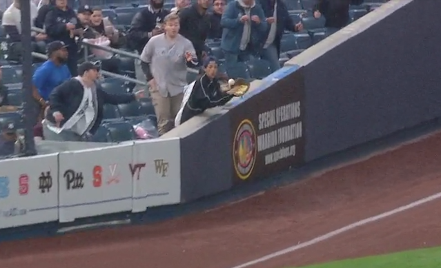 A kid at a Yankees game caught a ball with a glove full of popcorn. (MLB.com)