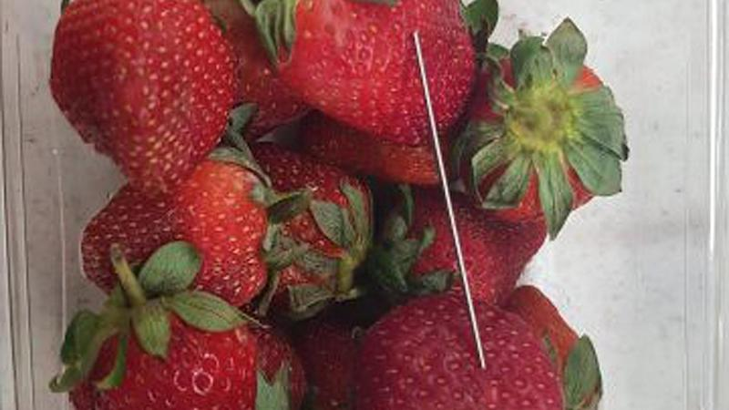 Supermarket chain removes Australianstrawberries after needles found
