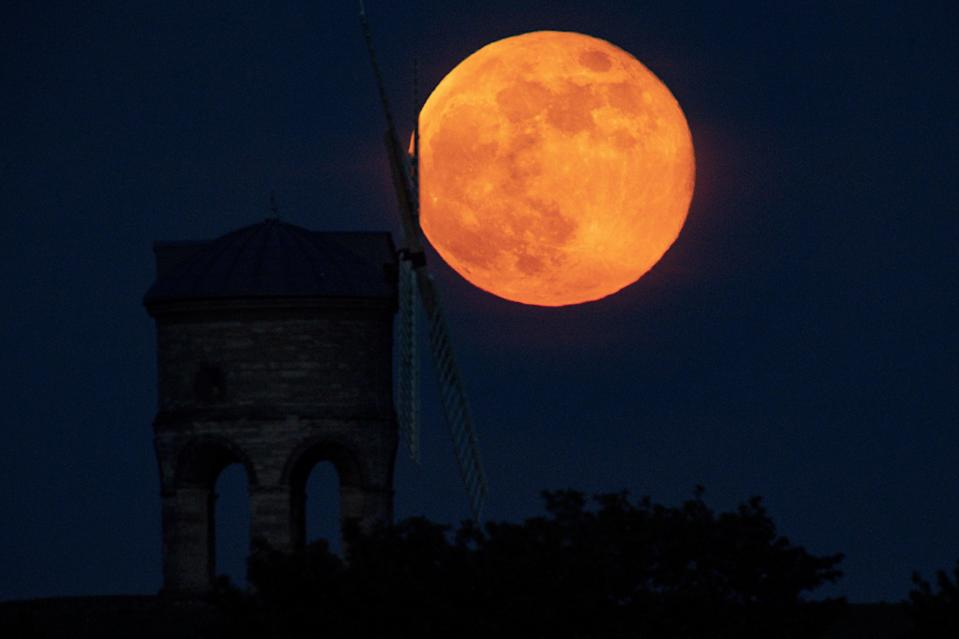 <p>Full moon </p> (PA Archive)