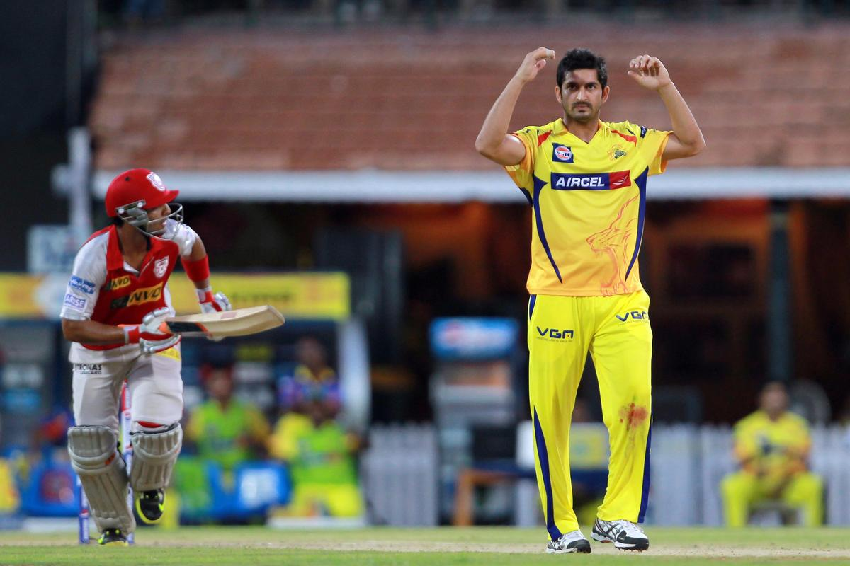Mohit Sharma shows his disappointment after Mandeep Singh was dropped in the outfield during match 45 of the Pepsi Indian Premier League between The Chennai Super Kings and the Kings XI Punjab held at the MA Chidambaram Stadium in Chennai on the 2nd May 2013. Photo by Jacques Rossouw-IPL-SPORTZPICS    .. .Use of this image is subject to the terms and conditions as outlined by the BCCI. These terms can be found by following this link:..https://ec.yimg.com/ec?url=http%3a%2f%2fwww.sportzpics.co.za%2fimage%2fI0000SoRagM2cIEc&t=1496117170&sig=3RCLxurZMDlTFGF61VCrUw--~C