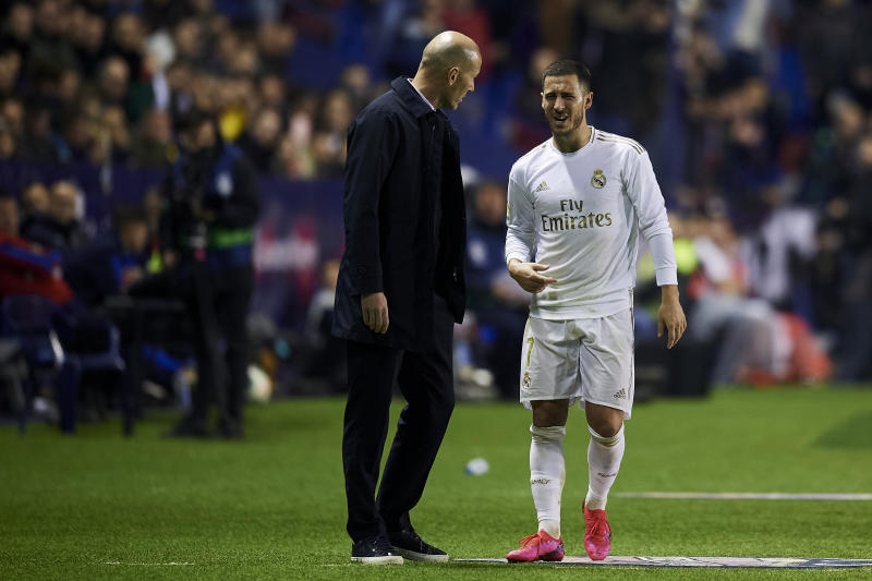 Eden Hazard of Real Madrid injured talking with Zinedine Zidane during the Liga match between Levante UD and Real Madrid CF at Ciutat de Valencia on February 22, 2020 in Valencia, Spain. (Photo by Jose Breton/Pics Action/NurPhoto via Getty Images)