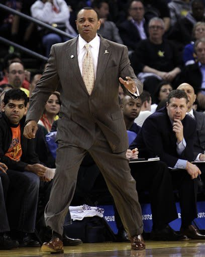 Memphis Grizzlies coach Lionel Hollins reacts from the sideline during the first half of an NBA basketball game against the Golden State Warriors on Wednesday, March 7, 2012, in Oakland, Calif. (AP Photo/Ben Margot)