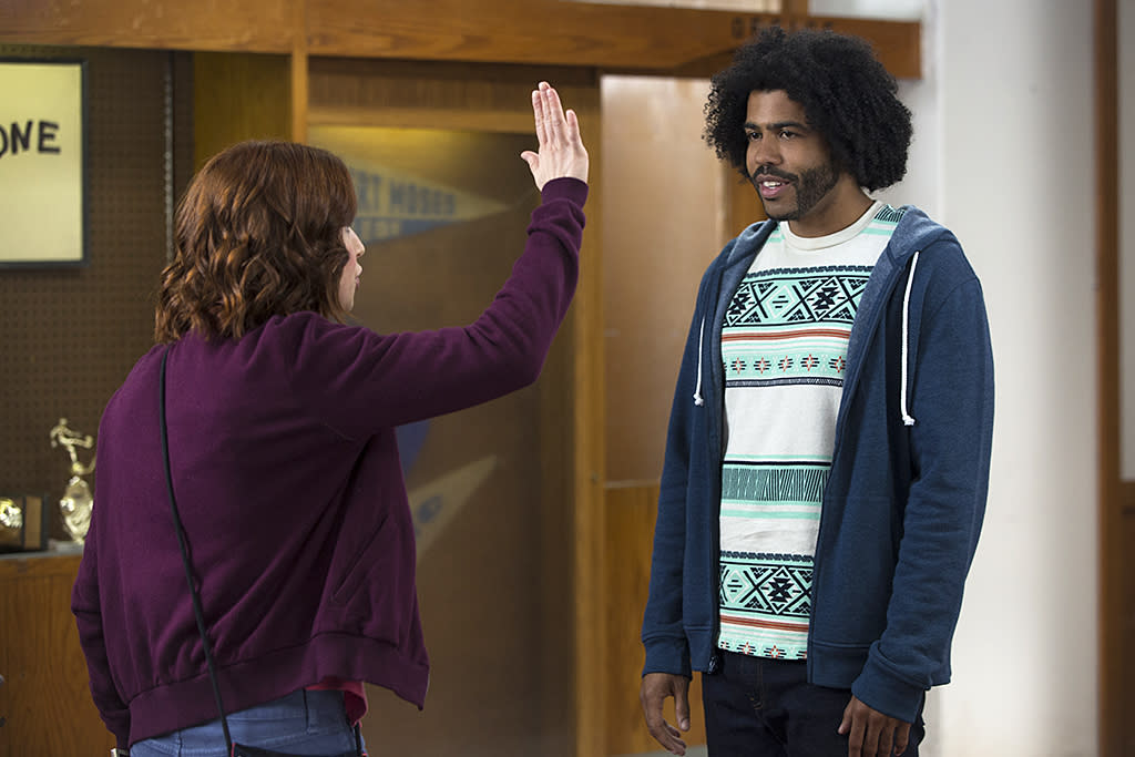 <p>Ellie Kemper as Kimmy Schmidt and Daveed Diggs as Perry in Netflix's <i>Unbreakable Kimmy Schmidt</i>.<br /><br />(Photo: Eric Liebowitz/Netflix) </p>