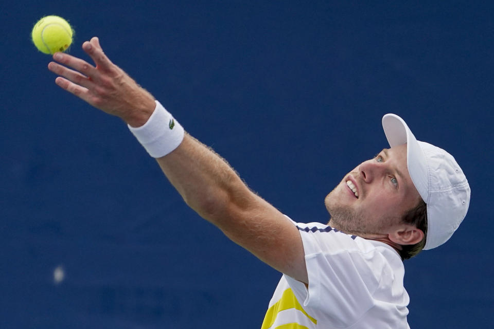 Botic Van De Zandschulp, of the Netherlands, serves to Casper Ruud, of Norway, during the second round of the US Open tennis championships, Wednesday, Sept. 1, 2021, in New York. (AP Photo/John Minchillo)