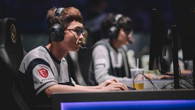 "Flash Wolves top laner Yu ""MMD"" Lihong (Riot Games/lolesports)"