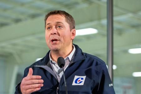 Leader of Canada's Conservatives campaigns in Essex