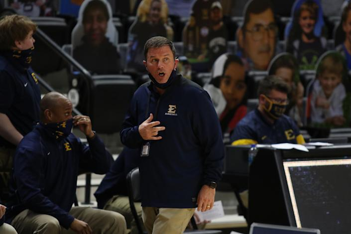 SPARTANBURG, SC - FEBRUARY 01: Jason Shay head coach of ETSU during a college basketball game between the East Tennessee State Buccaneers and the Wofford Terriers on February 1, 2021, at Jerry Richardson Indoor Stadium in Spartanburg, S.C. (Photo by John Byrum/Icon Sportswire via Getty Images)