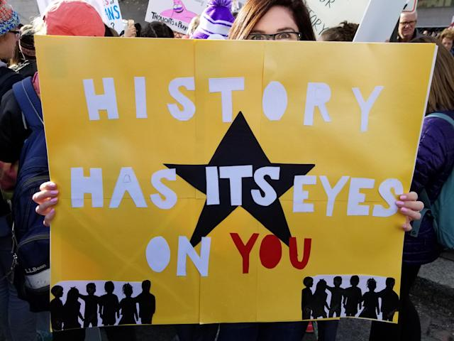 One of the many <em>Hamilton</em>-inspired signs at the March for Our Lives in Washington, D.C. (Christopher Wilson/Yahoo News)