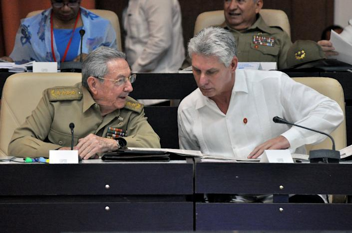 Cuban President Raúl Castro, left, and Vice President Miguel Diaz-Canel on July 14, 2017. (Photo: JORGE BELTRAN/Getty Images)