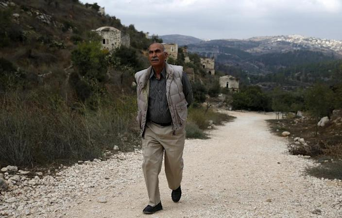 Yacoub Odeh, a 77-year-old Palestinian, says he lived in Lifta as a boy (AFP Photo/AHMAD GHARABLI)