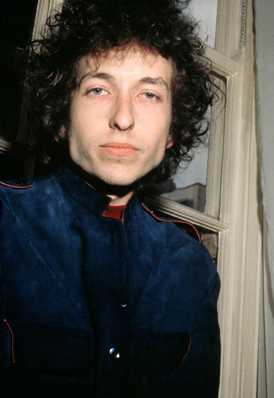 <p>Bob Dylan at the Mayfair Hotel in London, 1966.</p>