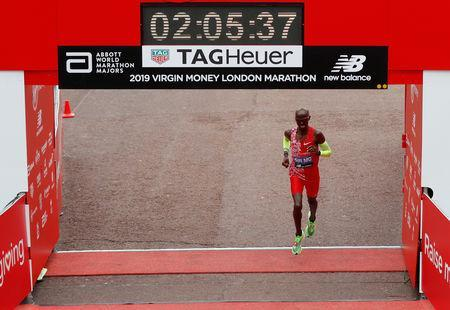 Athletics - London Marathon - London, Britain - April 28, 2019 Great Britain's Mo Farah finishes the men's elite race REUTERS/Matthew Childs