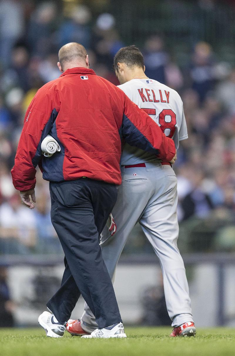 Cardinals put RHP Kelly on DL with hurt hamstring