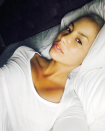 <p>Amber Rose took a break from her usually dolled up look for a no makeup selfie, and fresh faced looks beautiful on her. (Photo: Instagram/Amber Rose)</p>