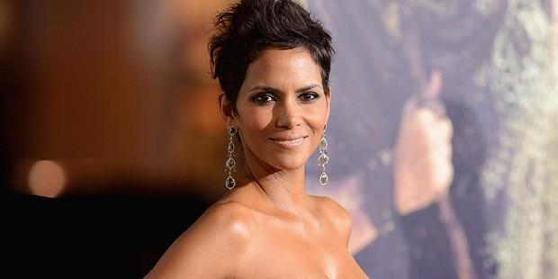 The Secret to Halle Berry's Stunning Look on the Red Carpet
