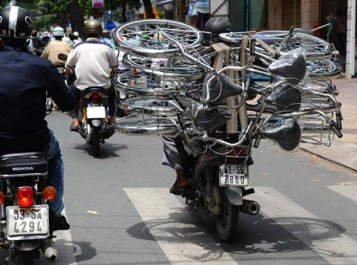 Vietnam expects economic growth of just 5.2% for 2012 - slowest rate in 13 years