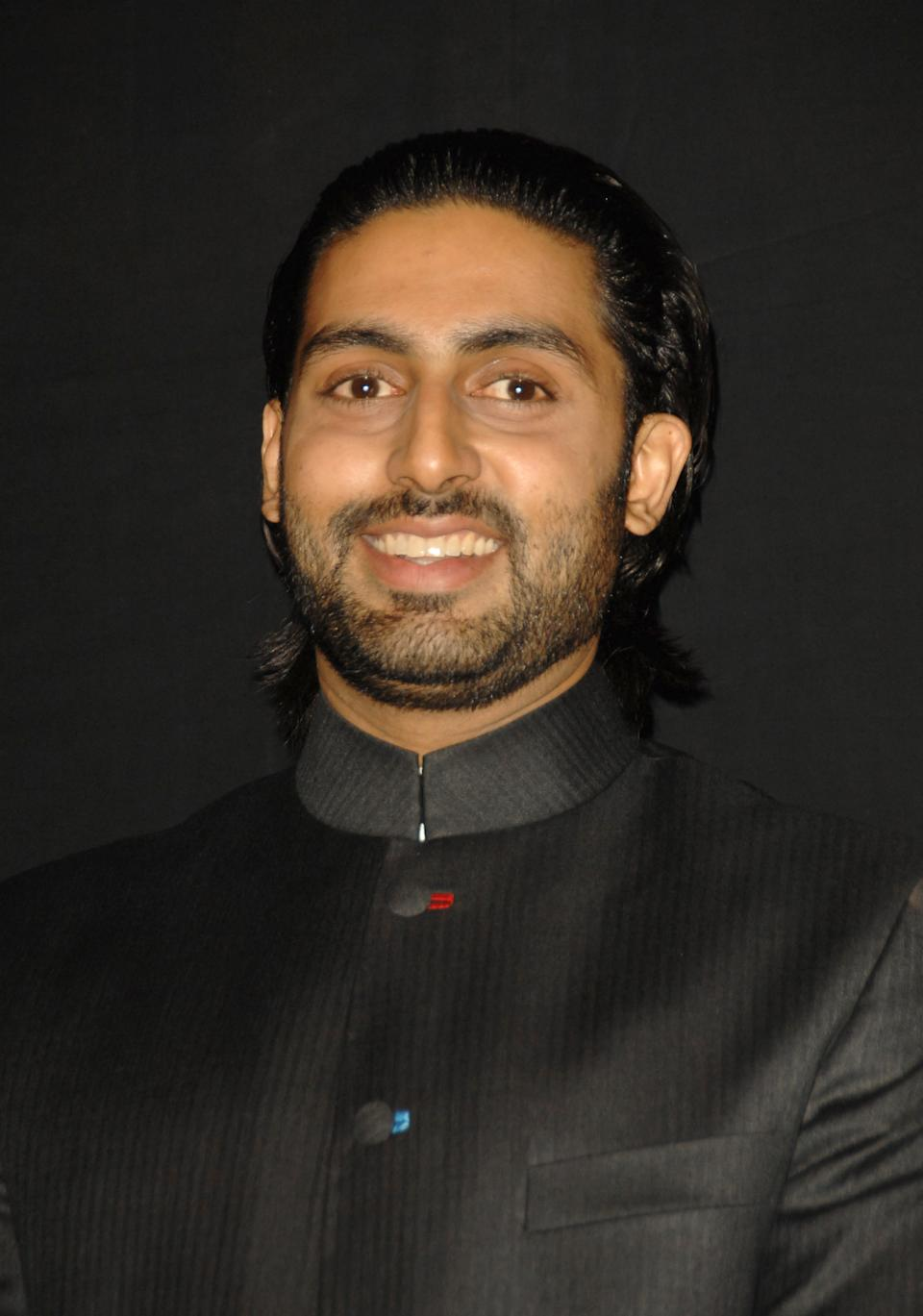 Abhishek Bachchan Jr Bachchan also surprised stylists and the masses when he donned the hairband look. It was an unusual for the actor and was followed by his fans too.