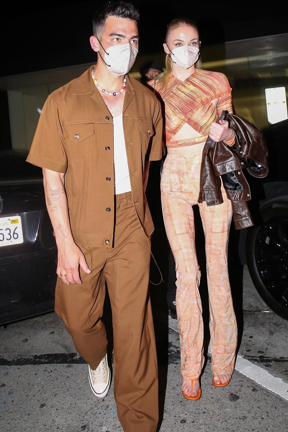 <p>Joe Jonas and Sophie Turner were spotted leaving Craig's after dinner in West Hollywood, California.</p>